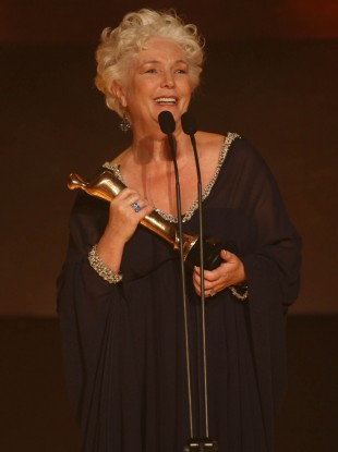 Fionnula Flanagan winning an IFTA in 2007