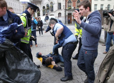 Gardaí and Occupy Dame Street supporters in Dublin today.