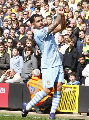 Carlos Tevez has City swinging again