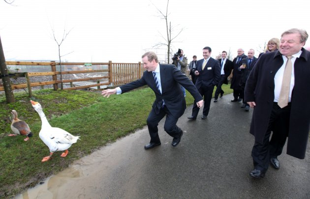 http://s3.thejournal.ie/media/2013/01/1712013-taoiseach-enda-kenny-plays-2-630x405.jpg