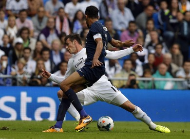 Gareth Bale conveniently loses his balance in the Malaga box.